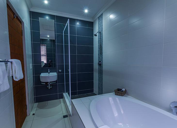 Luxury-suite-19