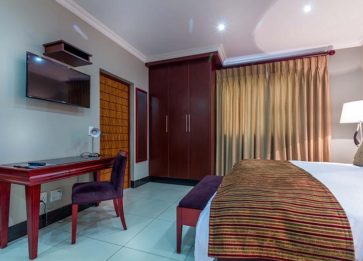 Luxury-suite-6